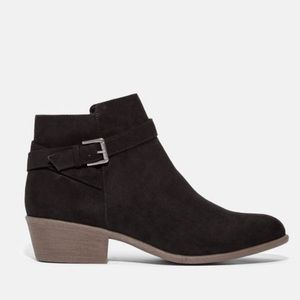 JustFab Black Voss Ankle Strap Booties 8M